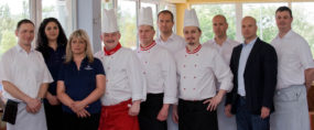 Die Mitarbeiter unserer Küch. Unser Küchenteam verwöhnt Sie mit kulinarischen Spezialitäten