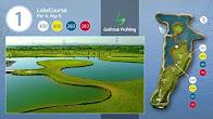 Bild mit Blick auf den Teich, inmitten der üppigen Grünflächen des Golfplatzes.
